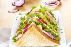 Вкусные рецепты: Тонкий вишневый пирог, Шпинатные хлебные булочки с начинкой, Кольца кальмаров в кляре